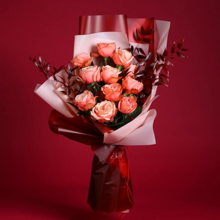 11 нежных розовых роз