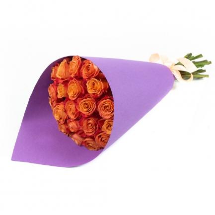 21 оранжевая роза в крафте