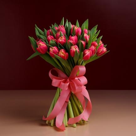 31 красный тюльпан